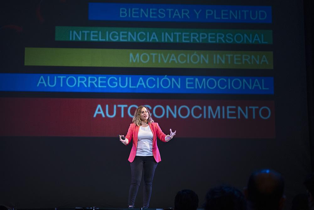 Conferencias inspirando al cambio Busca en tu interior
